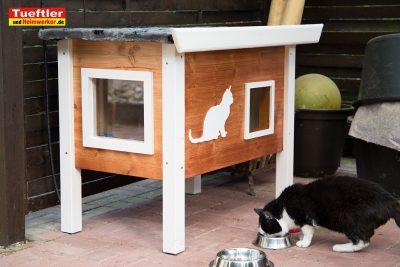 Katzenhaus-DIY-Projekt-Fertig-aufgebaut.jpg